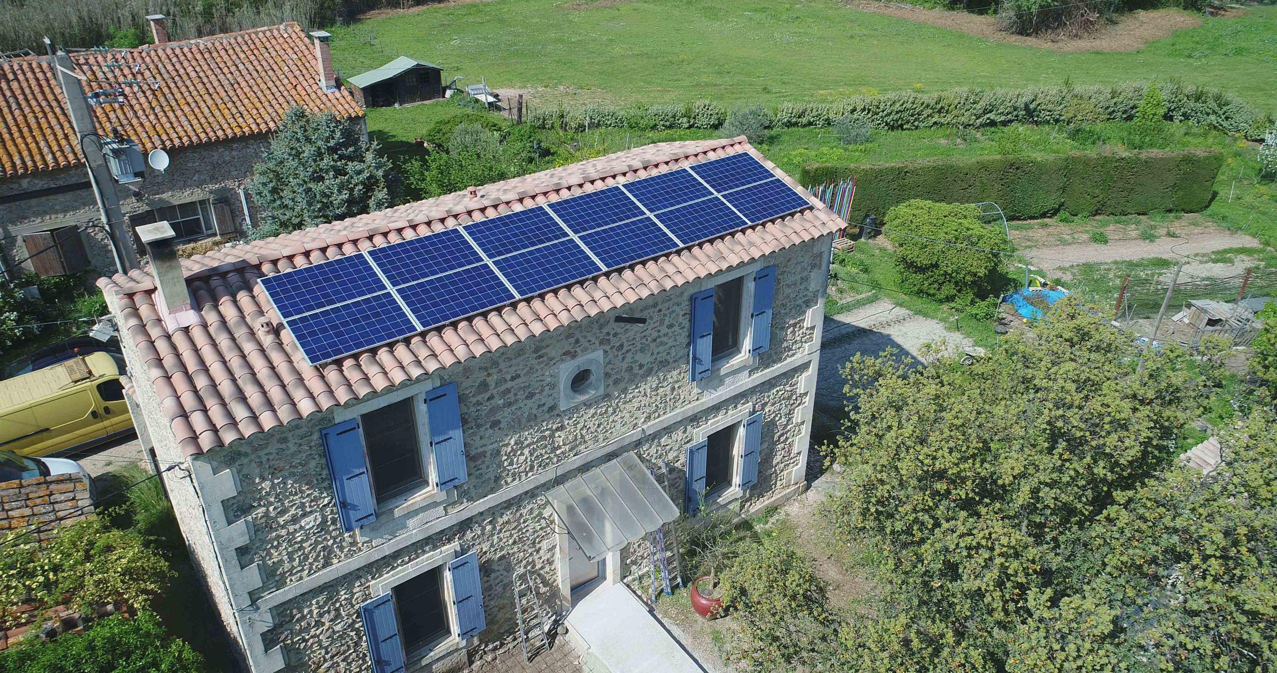panneau photovoltaïque maison vue aériene, réalisé par Sebalyo Solar